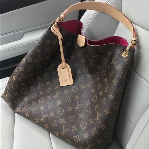 f275c22ac2e8 Louis Vuitton Handbags - Louis Vuitton GRACEFUL PM